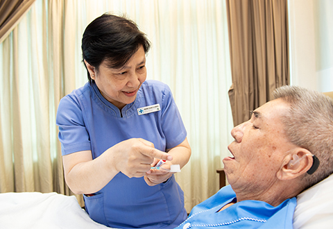 New training programme to improve oral health in the sick and elderly